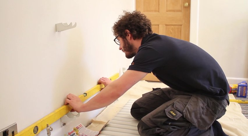 How to Install a Radiator_17_Spirit Level on Brackets