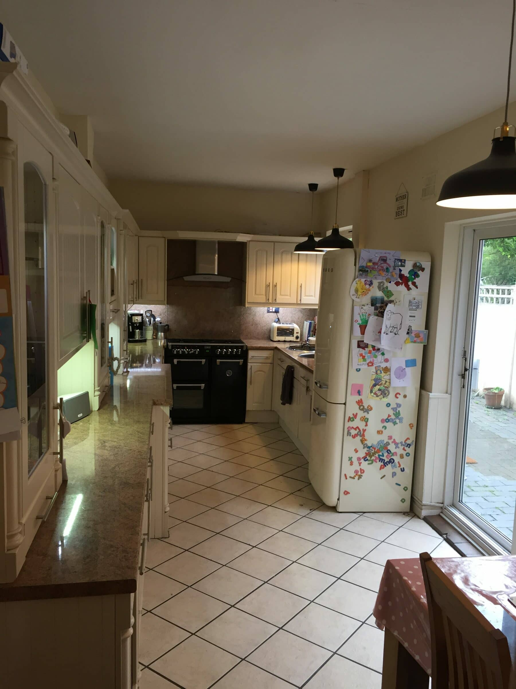 Rachael's kitchen before the renovation