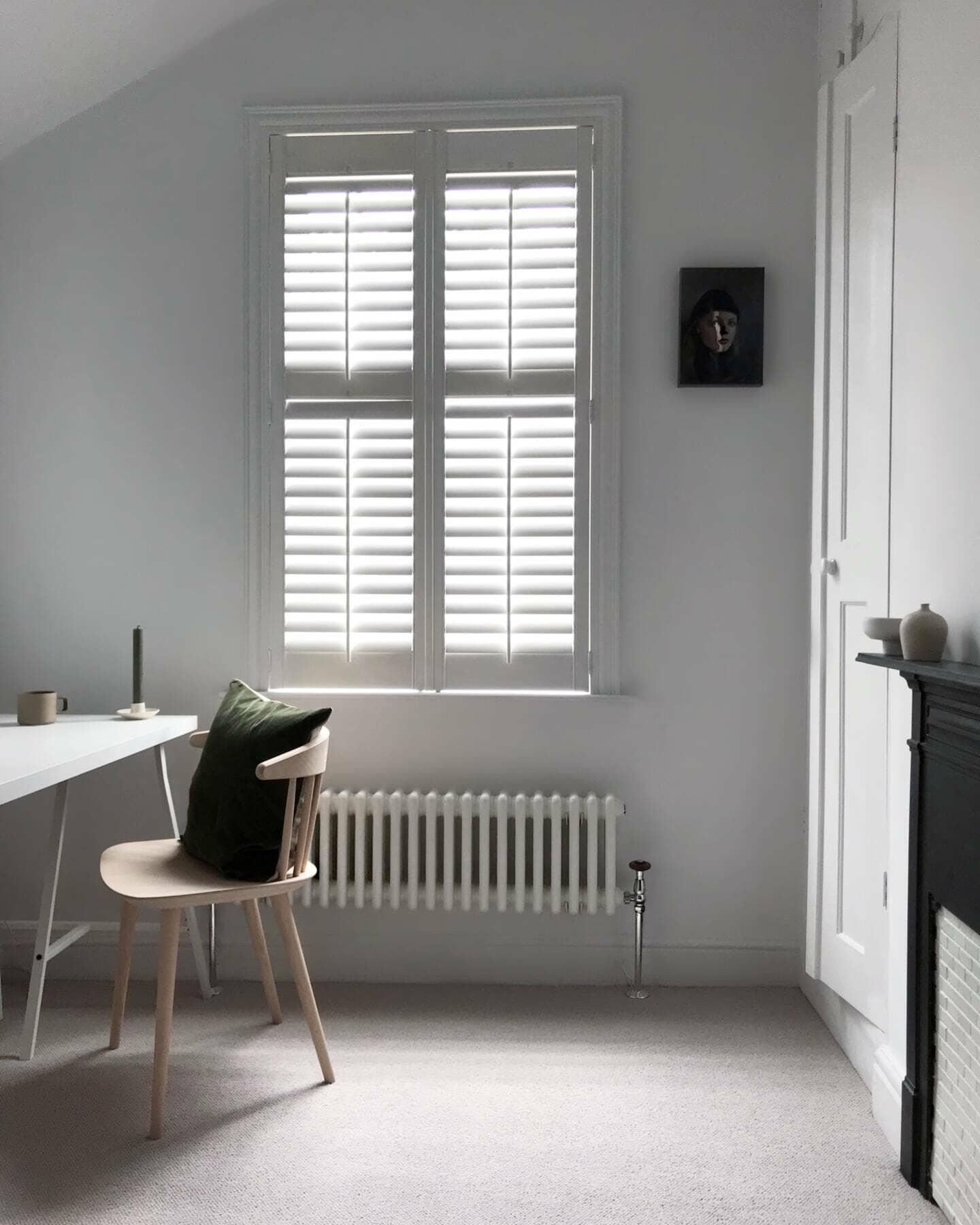 Donna's low level Milano Windsor column radiator under a window