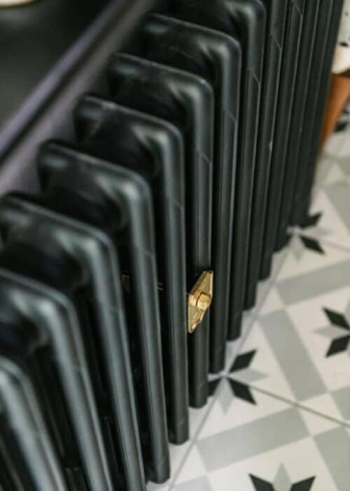 close up of the milano mercury cast iron radiator