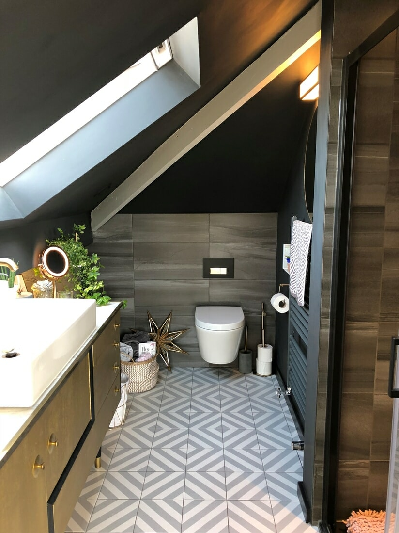 Modern grey en-suite.
