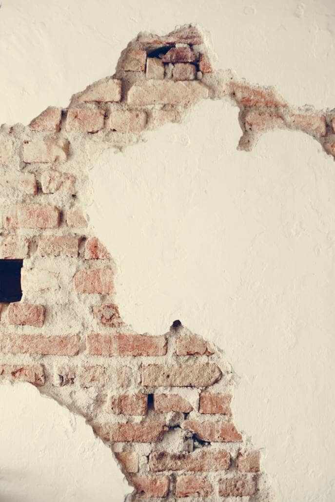 cracked concrete showing masonry