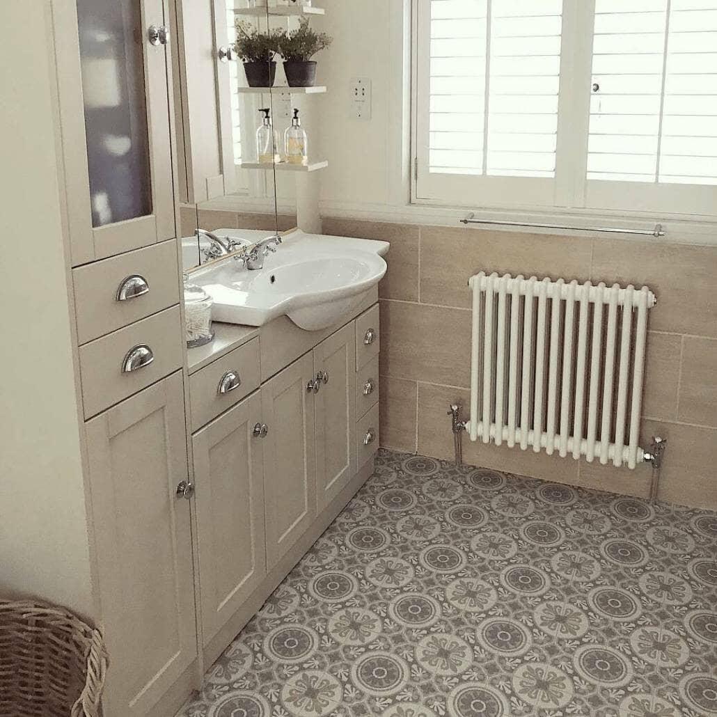 Milano Windsor radiator in a bathroom