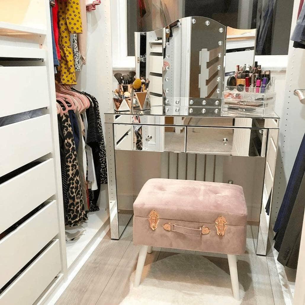 White Milano Aruba radiator under a dressing table