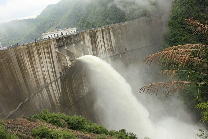 water dam during the summer