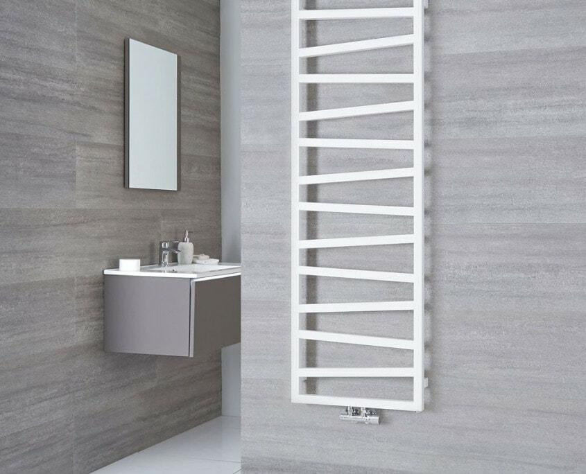 Terma Zig Zag white vertical towel rail